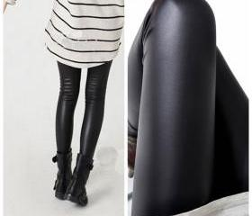 Women black leggings..